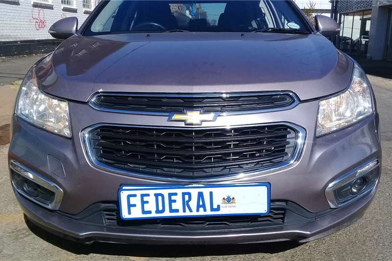 Chevrolet Cruze 1.6 LS 2015