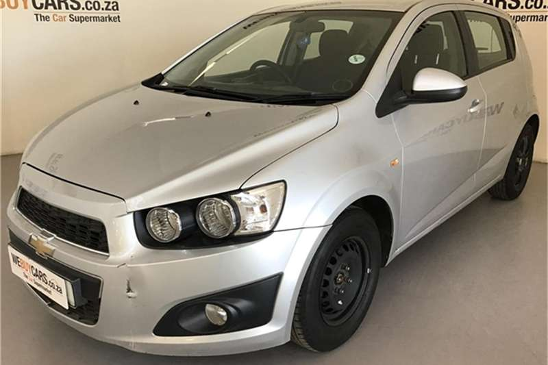 Chevrolet Sonic hatch 1.4 LS 2012