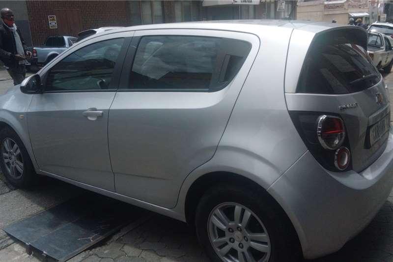 Chevrolet Sonic hatch 1.6 LS 2012