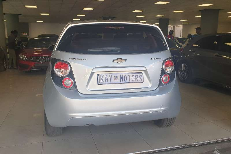 Chevrolet Sonic hatch 1.6 LS 2013