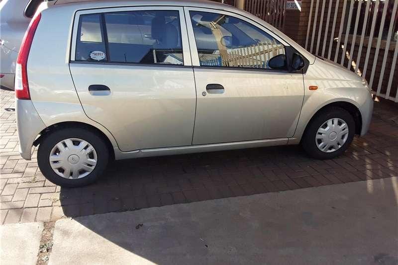 Daihatsu Charade CX 2004