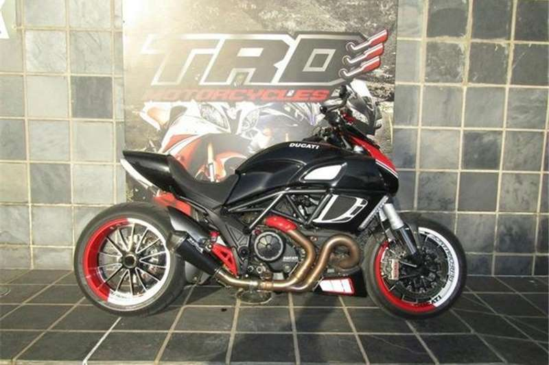 Ducati DIAVEL 1290 2011