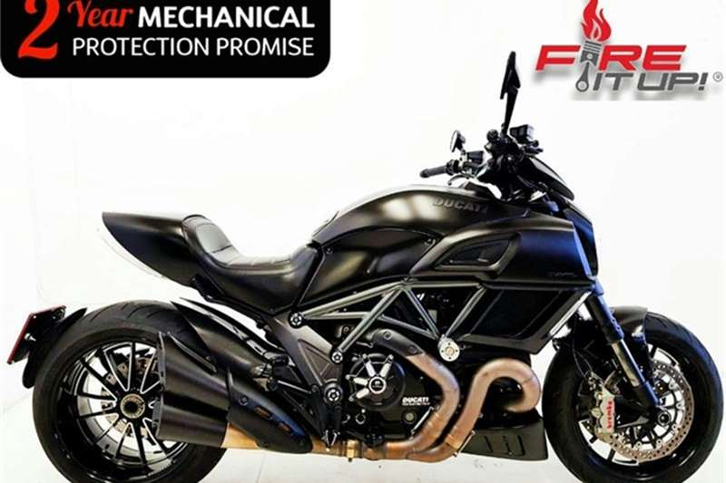 Ducati Diavel Dark 2015