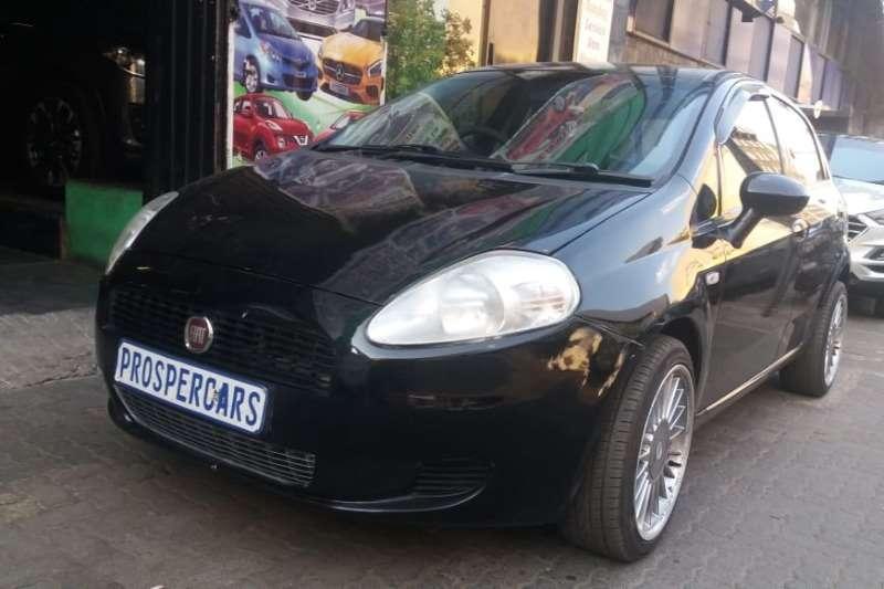 Fiat Punto Grande  1.4 5 door Active 2010