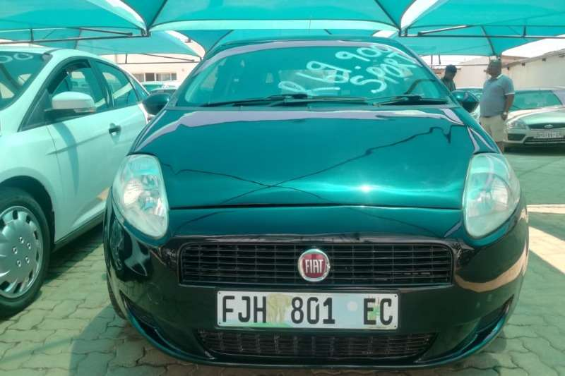 Fiat Punto Grande  1.9 Multijet 3 door Emotion 2010