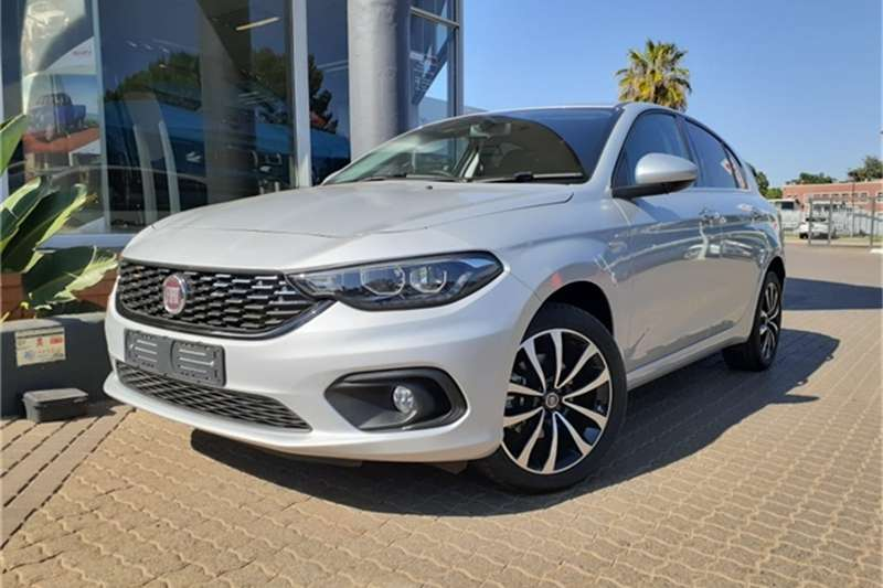 2020 Fiat Tipo hatch 1.4 Lounge