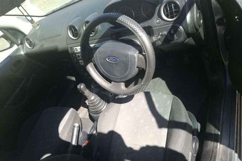 Ford Fiesta 1.4 5 door Ambiente 2004