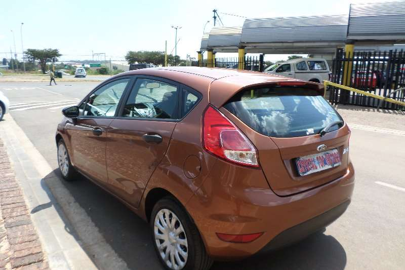 Ford Fiesta 1.4 5-door Ambiente 2013
