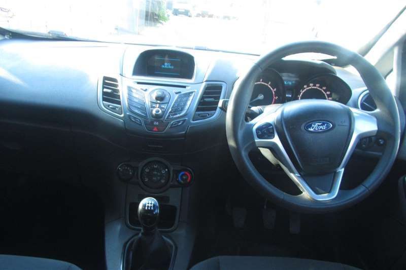Ford Fiesta 1.4 5 door Ambiente 2014