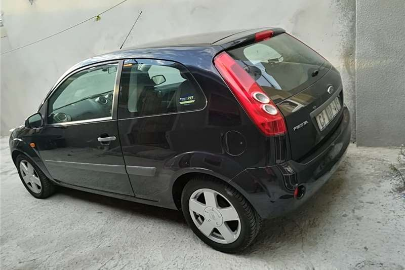 Ford Fiesta 1.4i 3 door Trend 2004