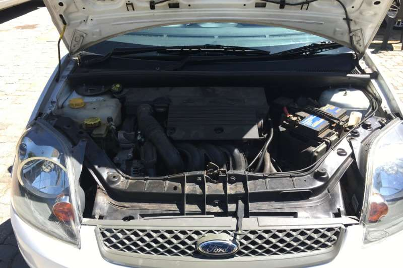 Ford Fiesta 1.4i 5 door 2009