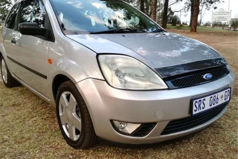 Ford Fiesta 1.4i TREND 3Dr 2004