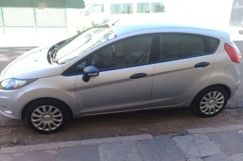 Ford Fiesta 1.6 5 door Ambiente 2011