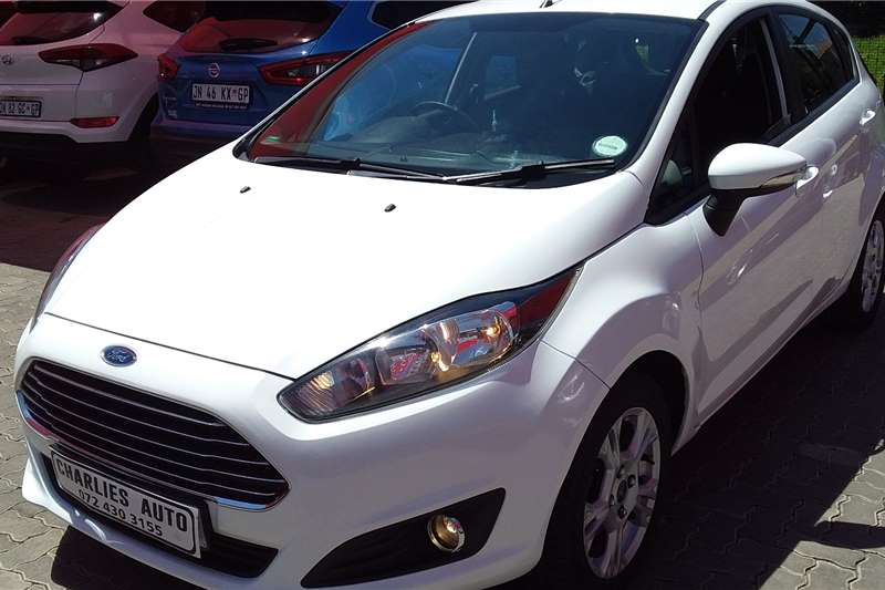 Ford Fiesta 1.6 5 door Ambiente 2013