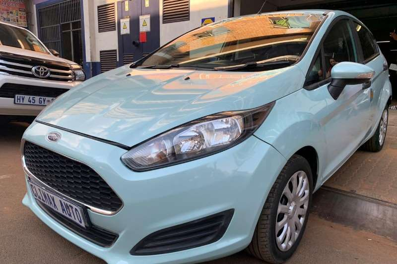 Ford Fiesta 1.6 5 door Ambiente 2016
