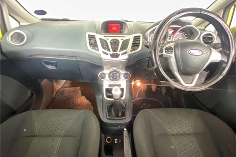 2010 Ford Fiesta Fiesta 1.6 5-door Titanium