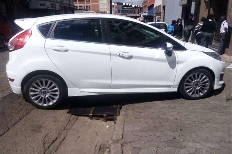 Used 2015 Ford Fiesta 1.6 5 door Titanium