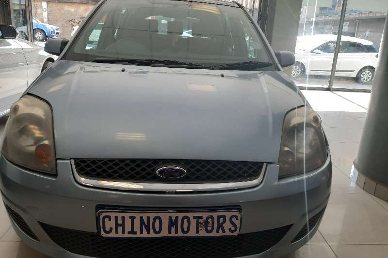 Ford Fiesta 1.6 5 door Trend 2006