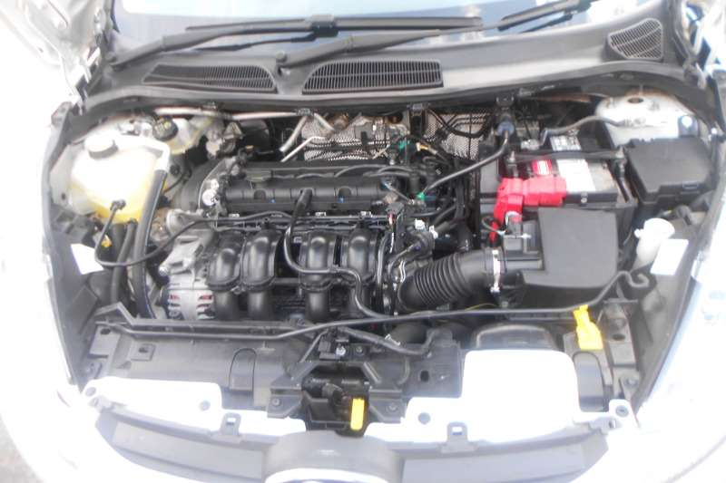 Ford Fiesta 1.6 5 door Trend 2010