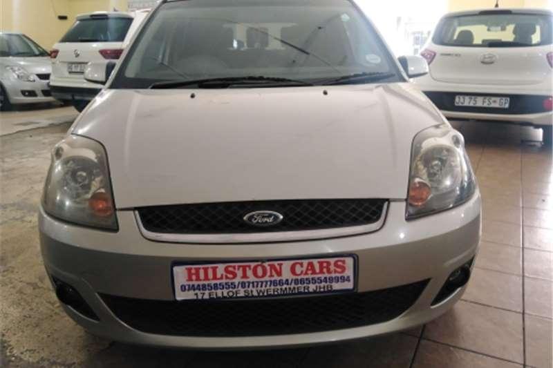 Ford Fiesta 1.6i 3 door Trend 2006