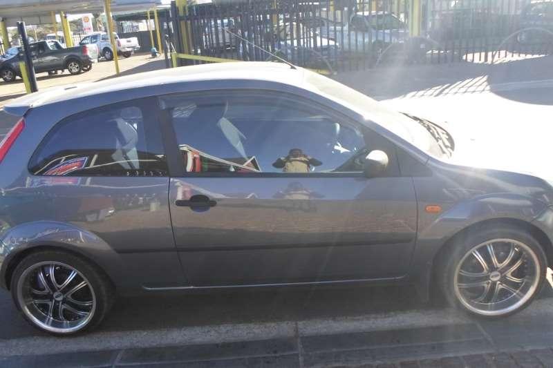 Ford Fiesta 1.6i 5 door Ambiente 2005