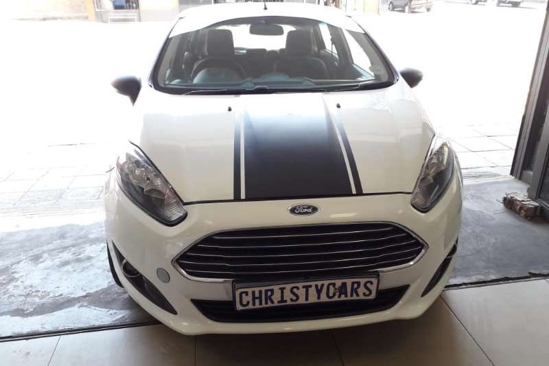 Ford Fiesta 1.6i 5 door Ambiente 2010