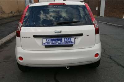 Used 2006 Ford Fiesta 1.6i 5 door Ambiente automatic