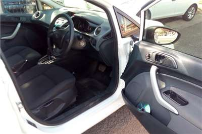 Ford Fiesta 1.6i 5 door Ambiente automatic 2011