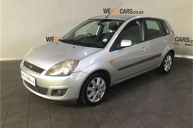 Ford Fiesta 1.6i 5 door Ghia 2008
