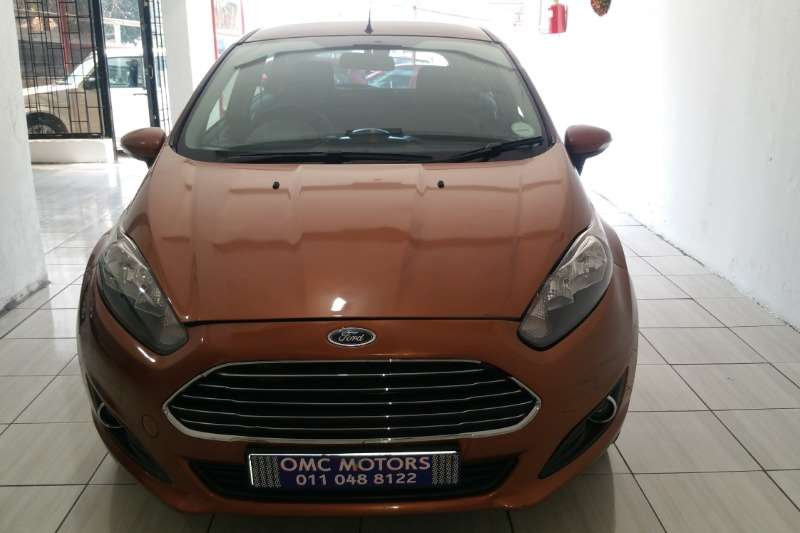 Ford Fiesta 5 door 1.0T Ambiente 2014