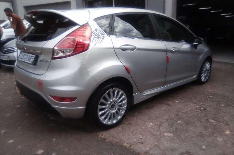 Used 2015 Ford Fiesta 5 door 1.0T Titanium