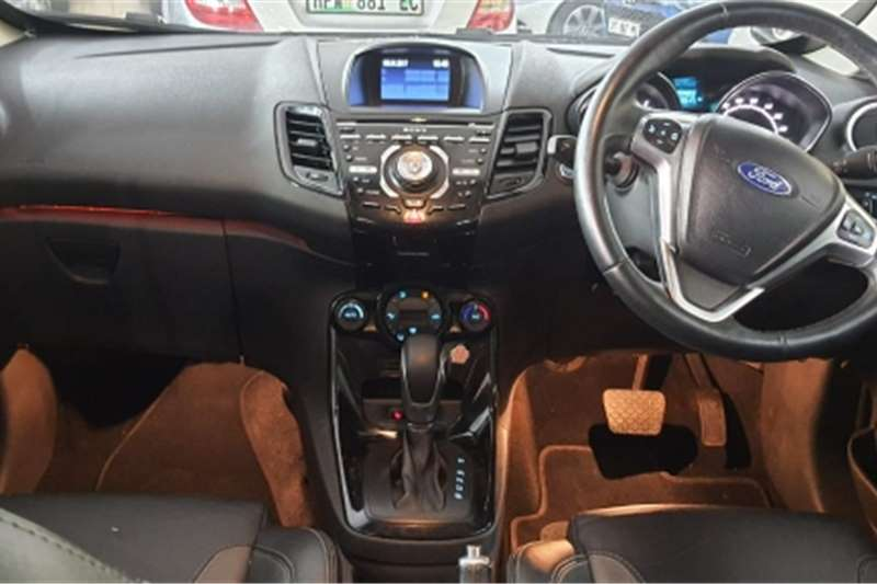 2018 Ford Fiesta Fiesta 5-door 1.0T Titanium auto