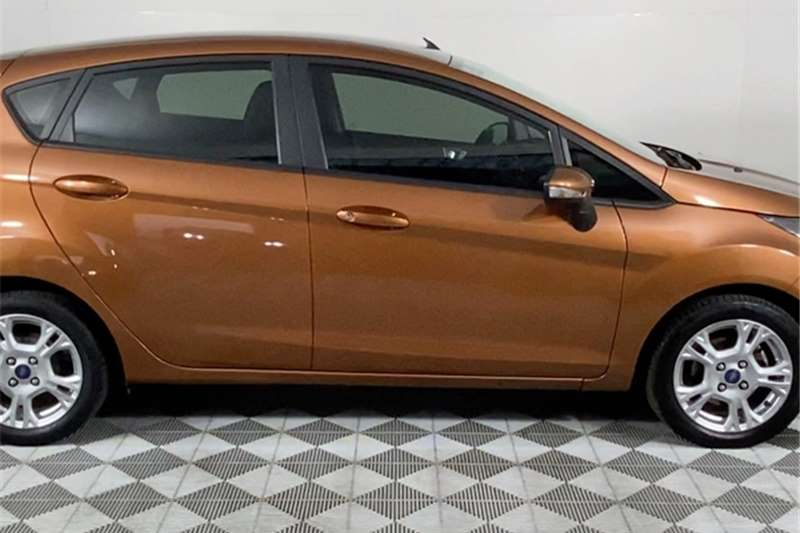 2016 Ford Fiesta Fiesta 5-door 1.0T Trend auto