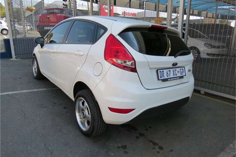 Ford Fiesta 5-door 1.4 Ambiente 2011