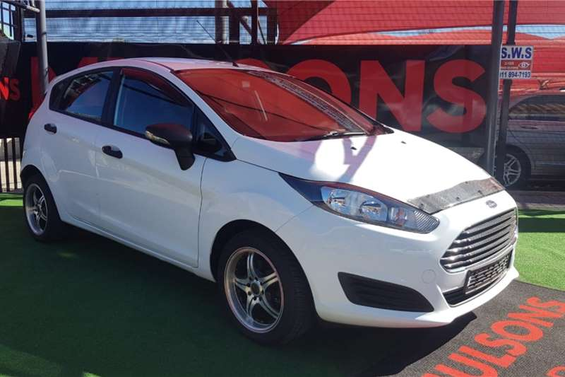 Ford Fiesta 5 door 1.4 Ambiente 2013