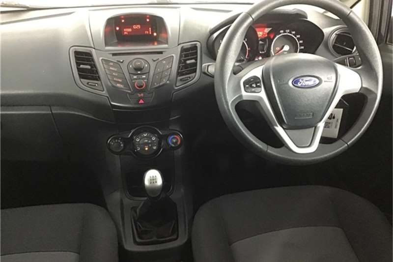 Ford Fiesta 5-door 1.4 Ambiente 2013