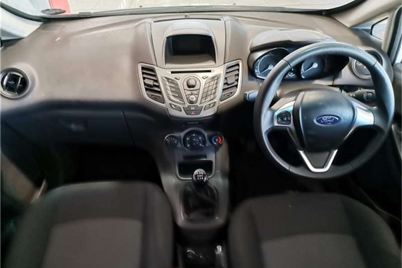 Ford Fiesta 5 door 1.4 Ambiente 2014