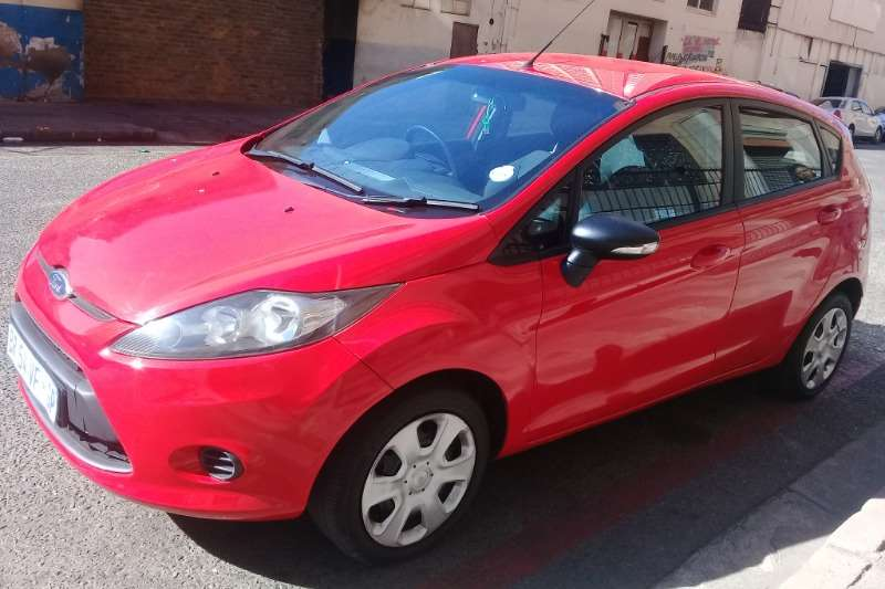 Ford Fiesta 5 door 1.6 Ambiente 2010