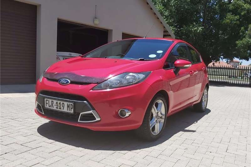 Ford Fiesta 5 door 1.6 S 2011