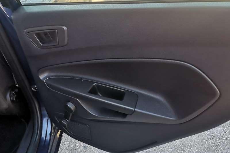 Used 2013 Ford Fiesta Hatch 5-door FIESTA 1.6i AMBIENTE 5Dr