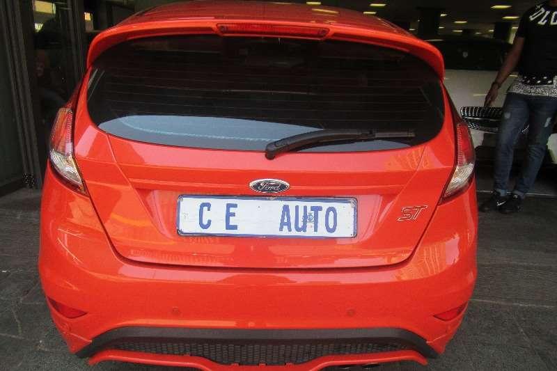 2013 Ford Fiesta hatch 5-door FIESTA 1.6i AMBIENTE 5Dr