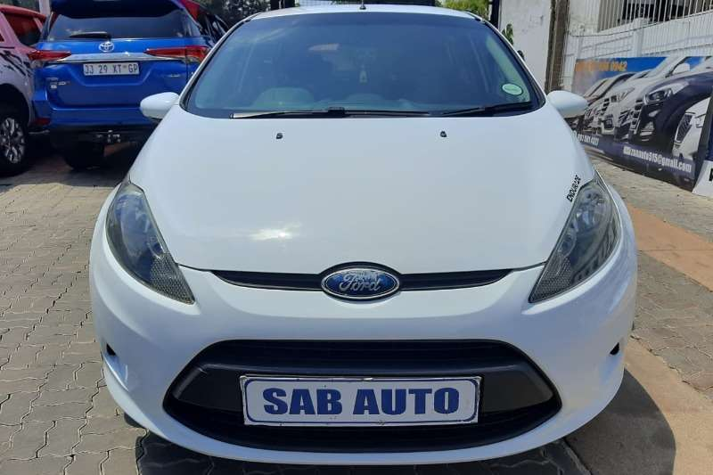 2010 Ford Fiesta hatch 5-door FIESTA 1.6i AMBIENTE 5Dr