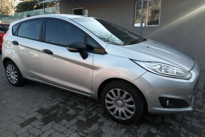 2017 Ford Fiesta hatch 5-door FIESTA 1.6i AMBIENTE 5Dr