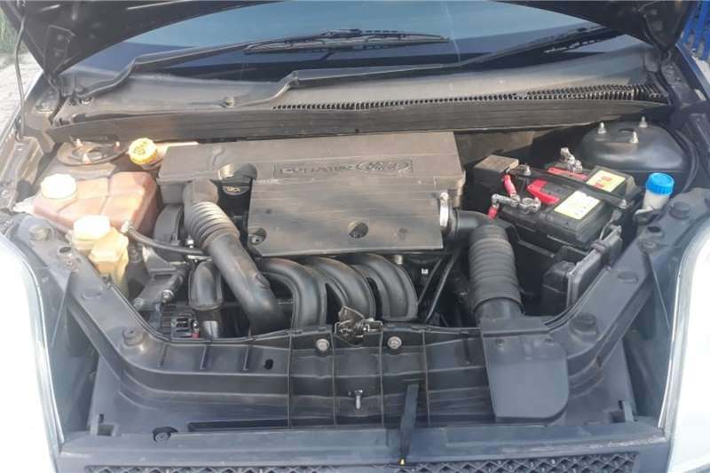 2004 Ford Fiesta hatch 5-door