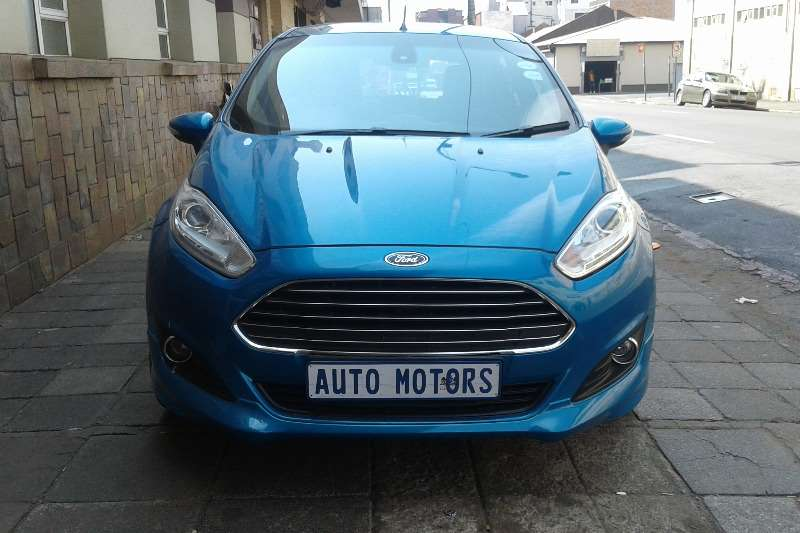 2013 Ford Fiesta 5 door 1.0T Titanium