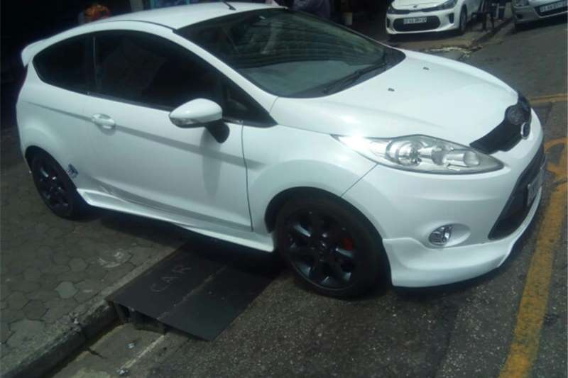 2010 Ford Fiesta 1.6i 3 door Trend
