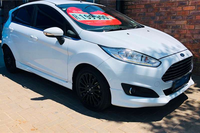 2017 Ford Fiesta 5 door 1.0T Titanium
