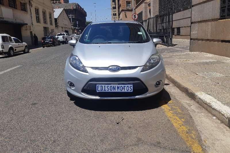 Ford Fiesta sedan 1.4 Ambiente 2011