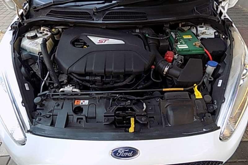 Ford Fiesta ST 1,6 MANUAL 2014