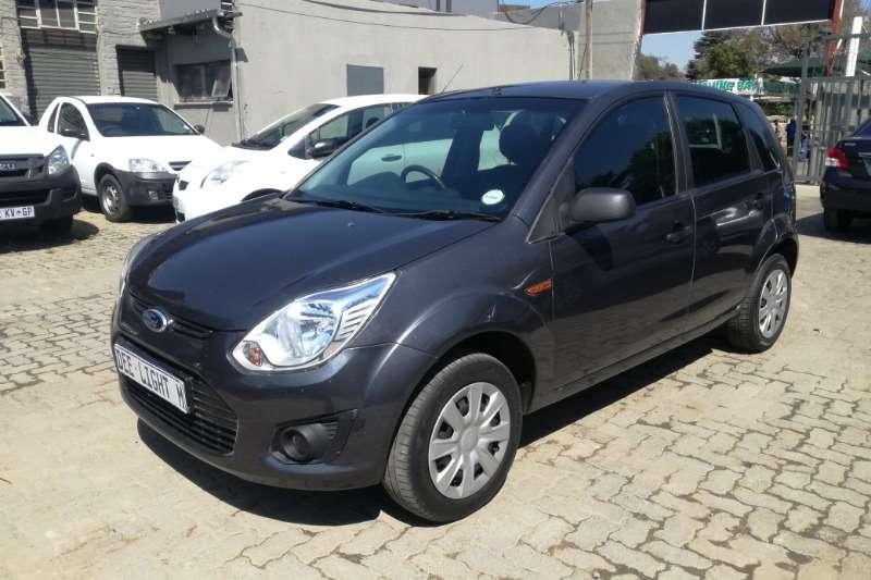 Ford Figo 1.4 Ambiente 2014